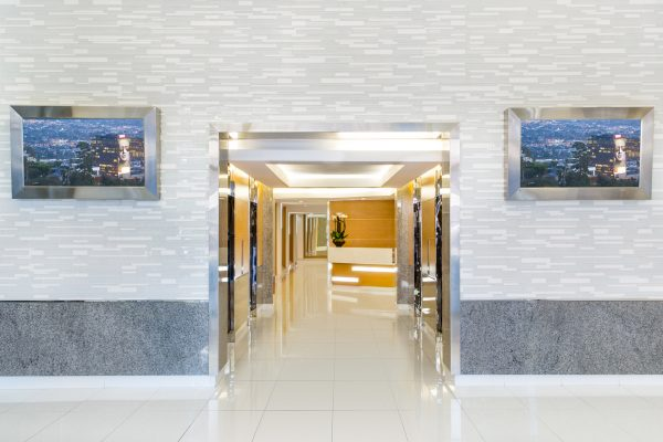 9000-lobby